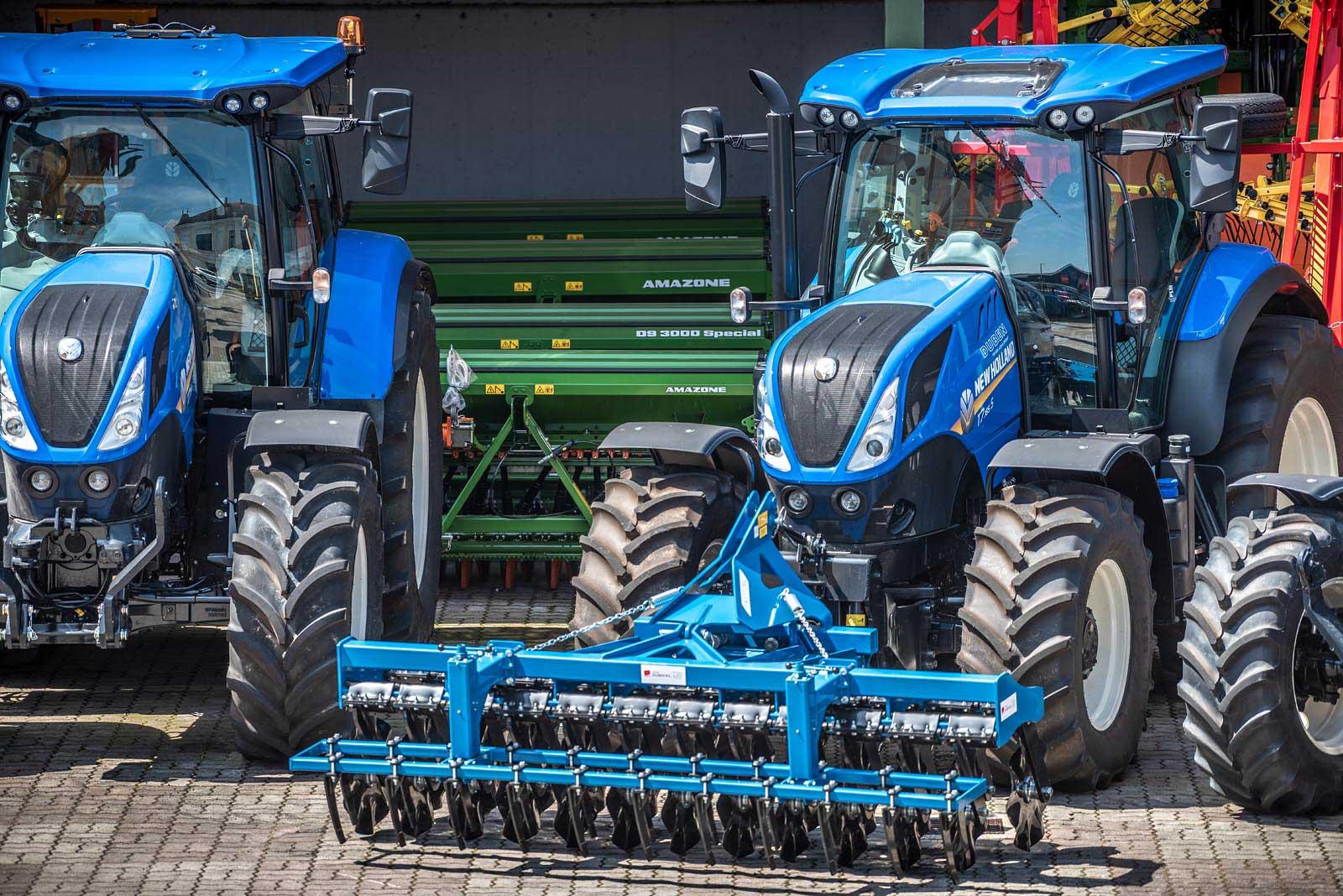 New Holland ist nur einer unserer namhaften Lieferanten von Landtechnikgeräten. © Reinhard Podolsky
